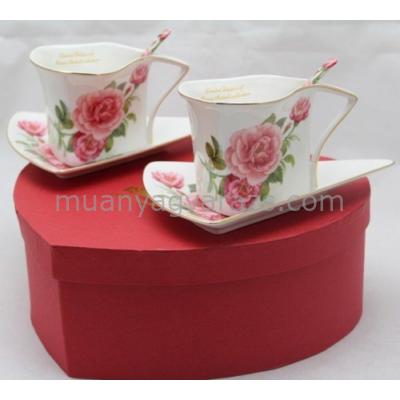 P.P.W5BR34-11027 Porcelán kávéscsésze + alj, háromszögű, kanállal, 2 személyes, rózsás, 175ml