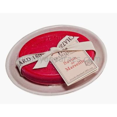 L.C.MP23-007 Ovál szappn 100gr-os mandulaolajjal,Le Chatelard szappantartóval,Cerise Griotte
