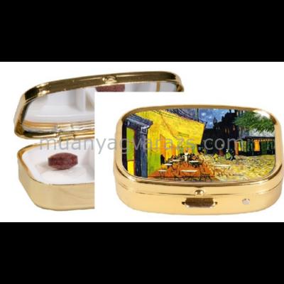 FRI.18241 Gyógyszeres fémdoboz 5,1x1,8x3,6cm,van Gogh:Kávéház éjjel