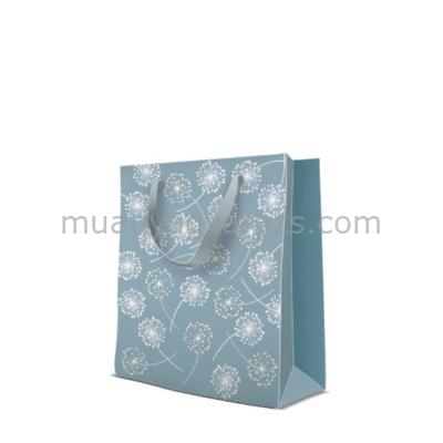 P.W.AGB1007603 Premium Puff-balls papír ajándéktáska medium 20x25x10cm