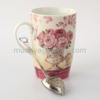D.MSZ-R2Bögre dobozban szív teaszűrővel,rózsaszín rózsás