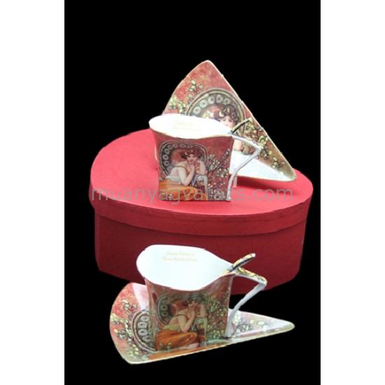 P.P.W4H34-16841 Porcelán kávéscsésze 150ml+ alj,3 szögű,kanállal,2személyes,Mucha:Topáz