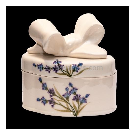 V.K.28-15 Romantik festett doboz ovál,levendula,kerámia,kézzel festett